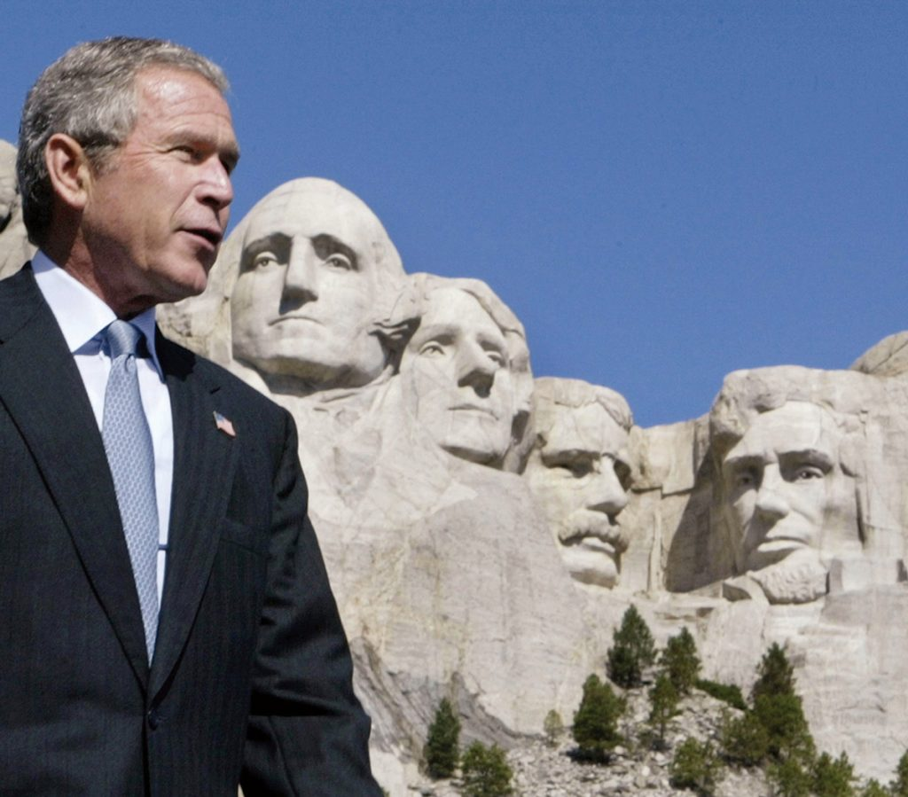 George W. Bush en Mount Rushmore